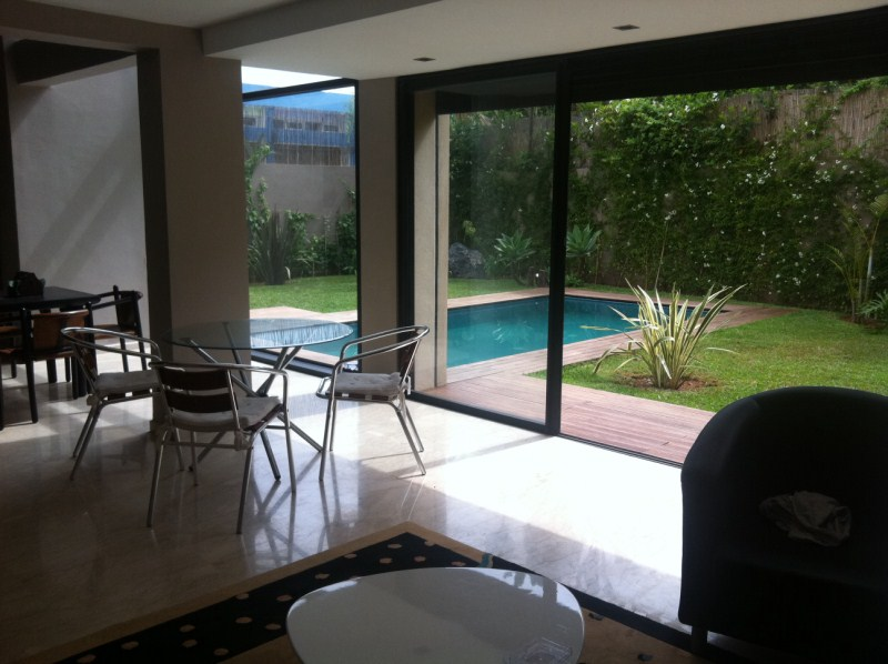 Location villa moderne 3 ch piscine quartier val d 39 anfa casablanca - Bureau moderne casablanca ...