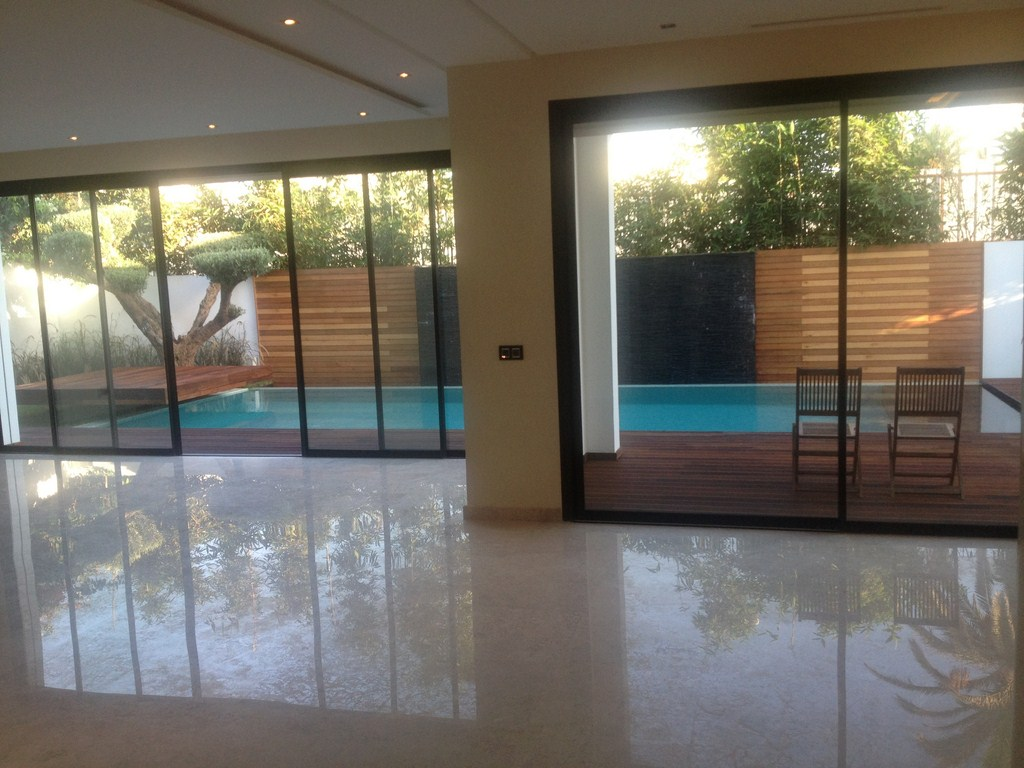 Vente villa ultra moderne mohamedia for Piscine demontable maroc