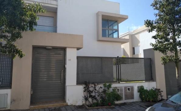 Villa moderne à louer